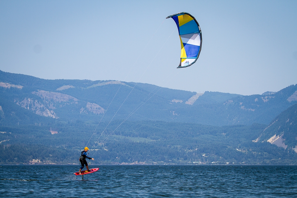 there's a new craze all about kite hydro foiling! joe the kiter can get you up and riding a foil and coach you along the way!